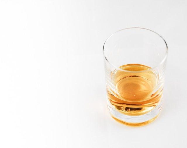 Alteração de beneficiário em seguro é anulada por alegação de alcoolismo de segurado.
