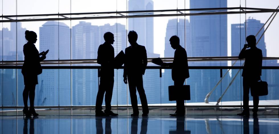 Identidade de sócios não configura grupo econômico